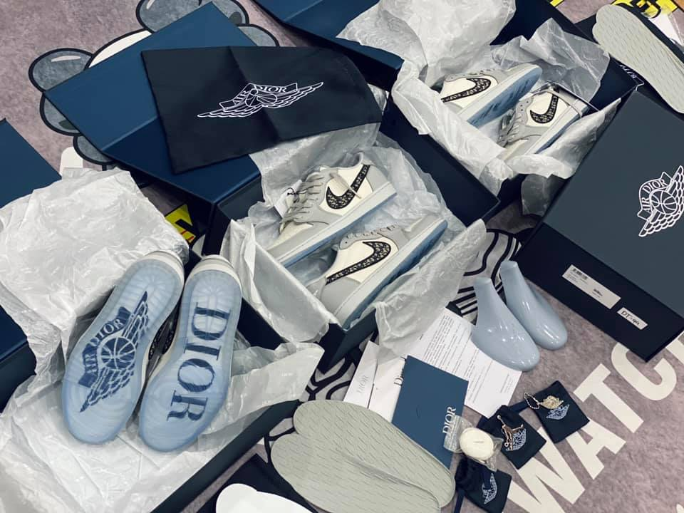 giay-nike-air-jordan-1-retro-low-dior-co-thap-like-auth-dep-chat