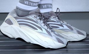 Phối đồ giày adidas yeezy 700 static