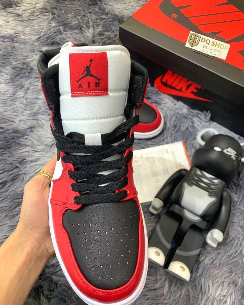 giay-nike-air-jordan-1-mid-chicago-black-toe (4)