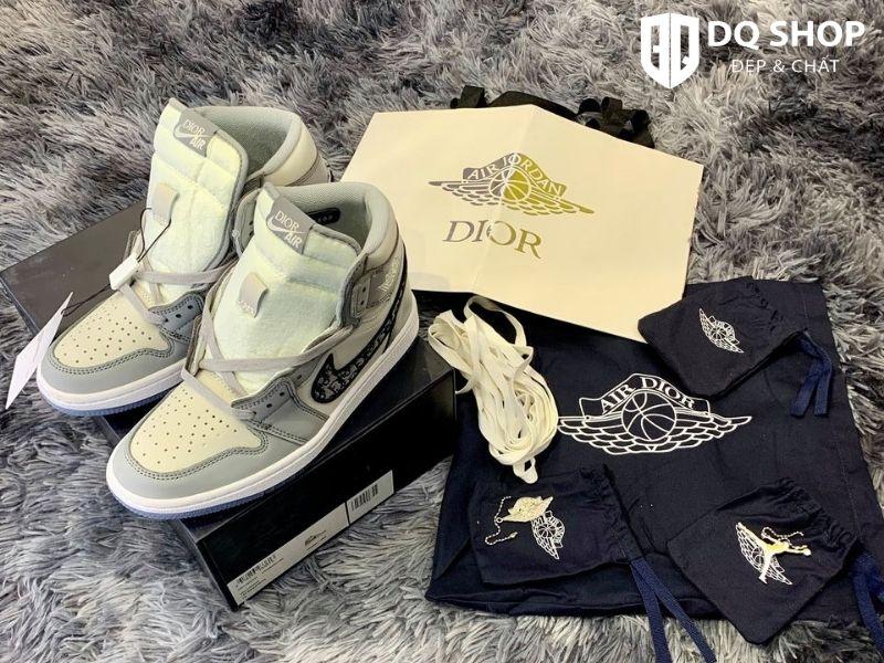 Giày Nike Air Jordan 1 Retro High Dior.
