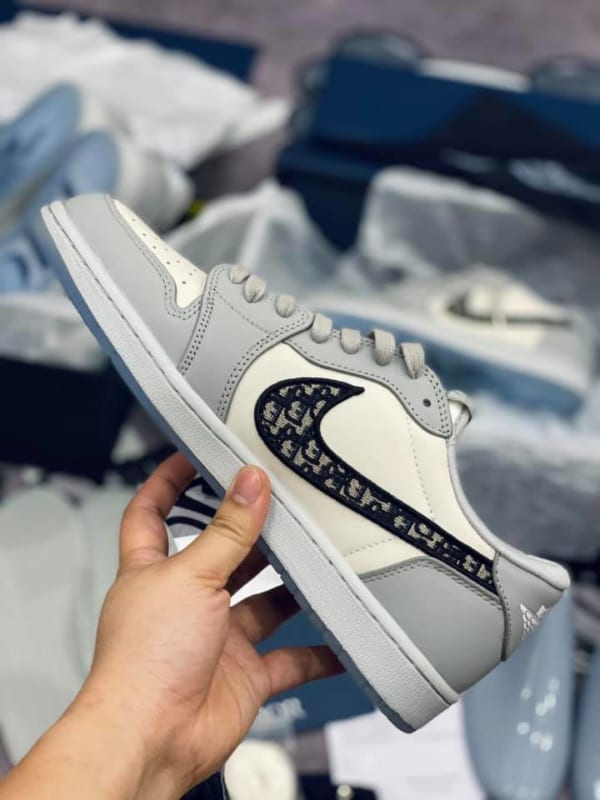 giay-nike-air-jordan-1-retro-low-dior-co-thap-like-auth-dep-chat (7)